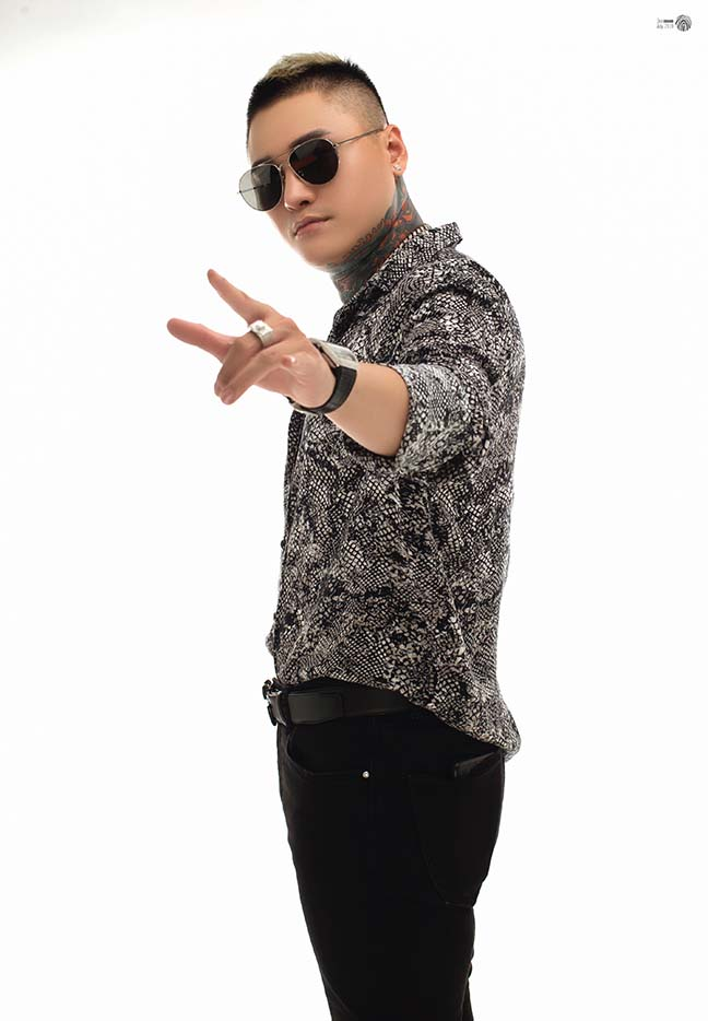 Ca sĩ Vũ Duy Khánh lần đầu tiết lộ phẫu thuật thẩm mỹ vì lý do đặc biệt - Hình 4