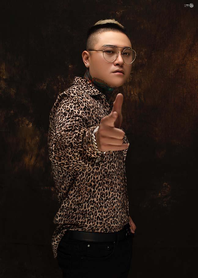 Ca sĩ Vũ Duy Khánh lần đầu tiết lộ phẫu thuật thẩm mỹ vì lý do đặc biệt - Hình 2