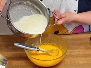 Cách làm kem flan đơn giản mà ngon tuyệt - Hình 4