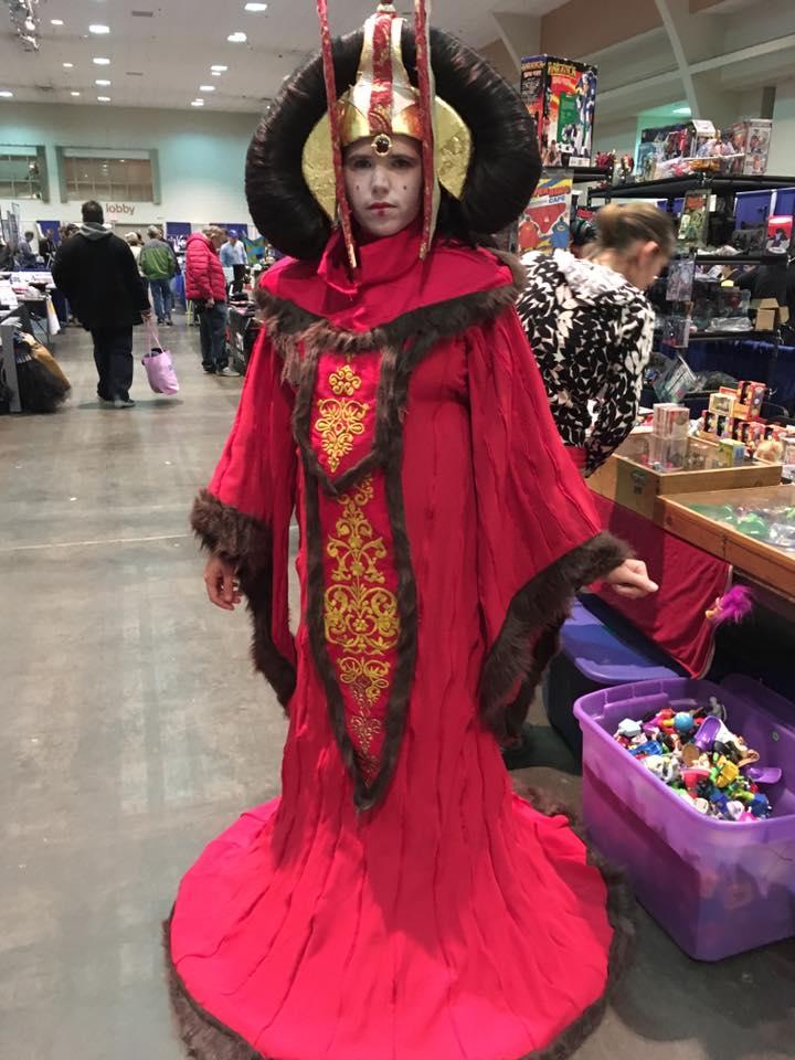 Cosplay Padmé Amidala trong bộ trang phục nữ hoàng - Hình 3
