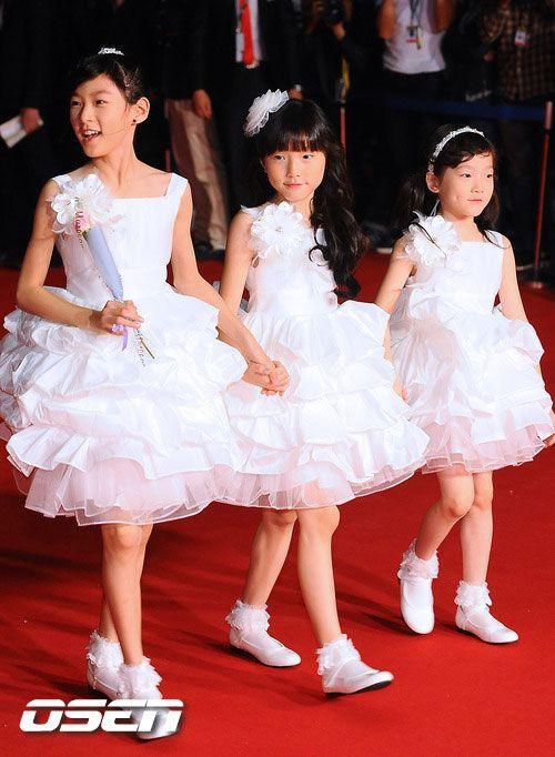 Em gái của 4 mỹ nhân Hàn đình đám: Toàn xinh như idol, không gia nhập Kbiz quá phí, nhóc tỳ nhà Somi quá đỉnh - Hình 1