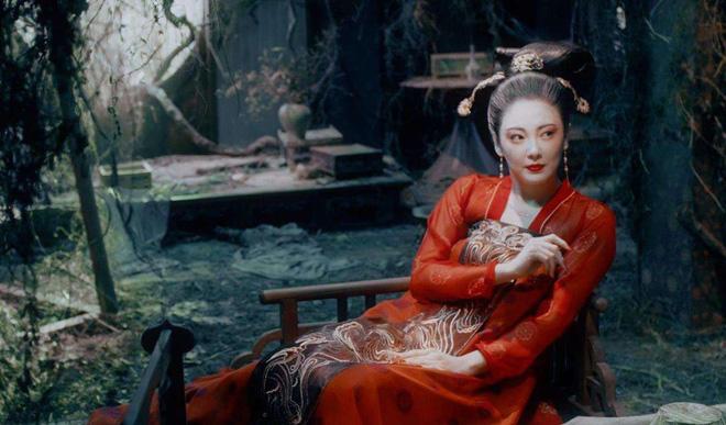 Gà cưng của Phạm Băng Băng - Bành Tiểu Nhiễm được khen vì màn hoá thân Yêu Miêu không thua đàn chị - Hình 9