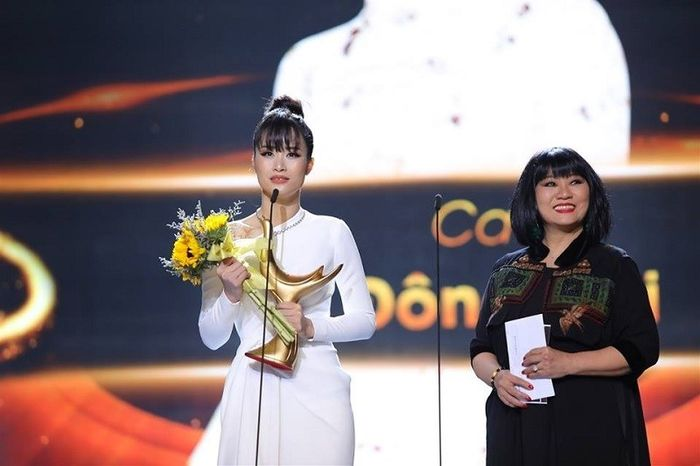 Giải thưởng thế nào mới thỏa mãn được sao Việt? - Hình 6