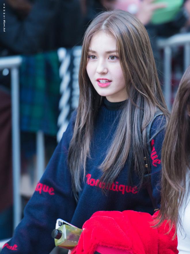 Góc nghiêng thần thánh của idol con lai Kpop: Nữ thần như Somi, Nancy có đọ được với Vernon, Samuel? - Hình 5