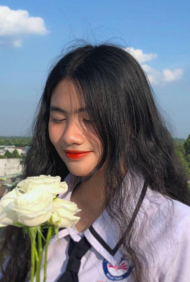 Gương mặt nữ sinh mới toanh của ĐH KHXH&NV TP.HCM khiến cộng đồng mạng hết lời ngợi khen - Hình 1