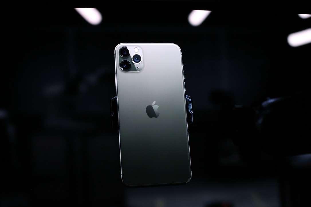 Hài hước: iPhone 11 ra mắt, dân tình thi nhau update bảng giá nội tạng - Hình 1