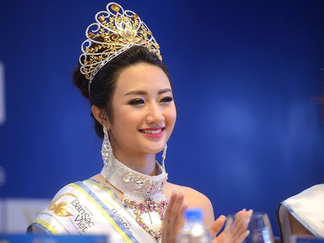 Hoa hậu Việt gây tranh cãi vì lấy chồng đại gia hơn 19 tuổi khi vừa đăng quang bây giờ ra sao? - Hình 1