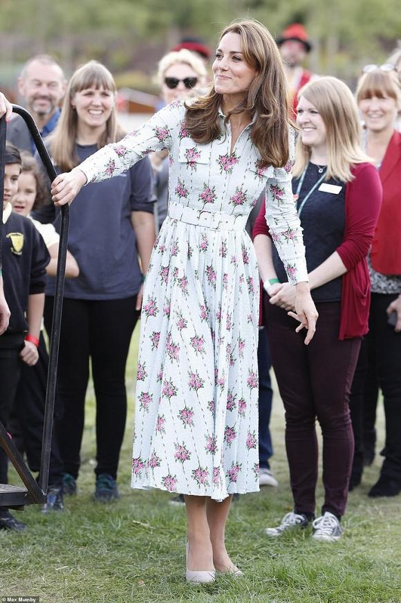 Kate đi đôi giày Nữ hoàng Anh ghét nhưng vẫn khiến dân tình phục lăn vì đạt ngưỡng đỉnh cao tiết kiệm như Công nương Diana - Hình 1