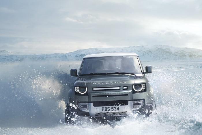 Land Rover Defender 2020 chính thức ra mắt, lạ lẫm và cục mịch - Hình 15