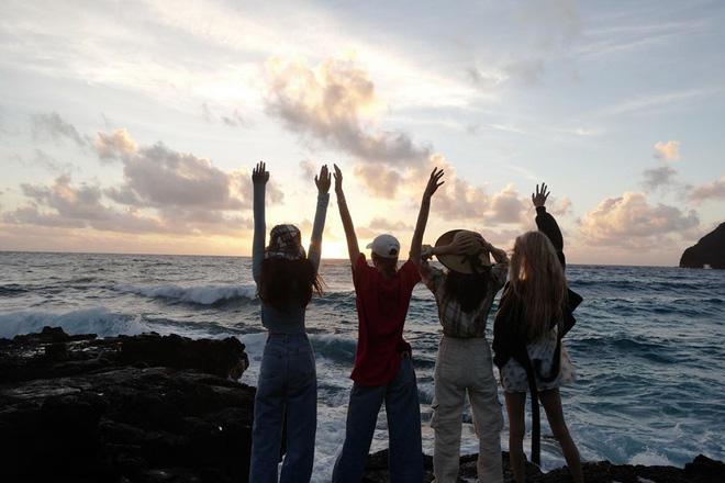 Loạt ảnh film đẹp điên đảo của BLACKPINK ở Hawaii là minh chứng rõ nhất cho việc ai cũng nên sắm một chiếc máy film khi đi du lịch - Hình 26