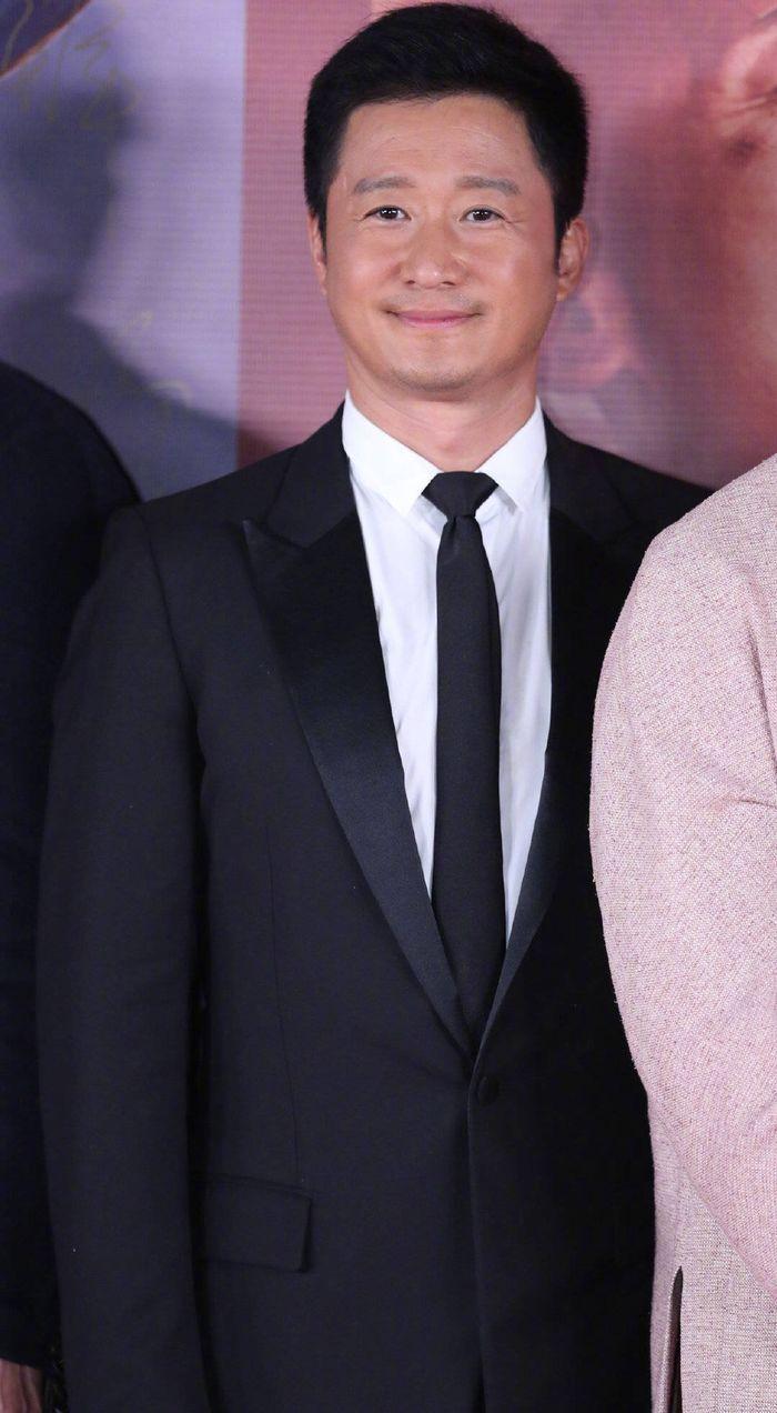 Loạt sao Cbiz dự Gala phim PRC: Khoảnh khắc Vương Tuấn Khải - Dịch Dương Thiên Tỉ và Lưu Hạo Nhiên đứng cạnh nhau - Hình 2