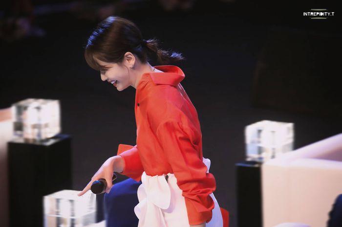 Loạt sao Cbiz dự Gala phim PRC: Khoảnh khắc Vương Tuấn Khải - Dịch Dương Thiên Tỉ và Lưu Hạo Nhiên đứng cạnh nhau - Hình 12