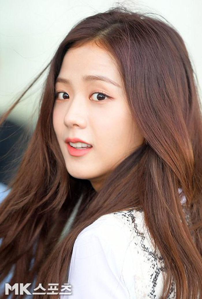 Mách bạn 10 tips làm đẹp giữ mãi tuổi 20 như các idol Kpop - Hình 24