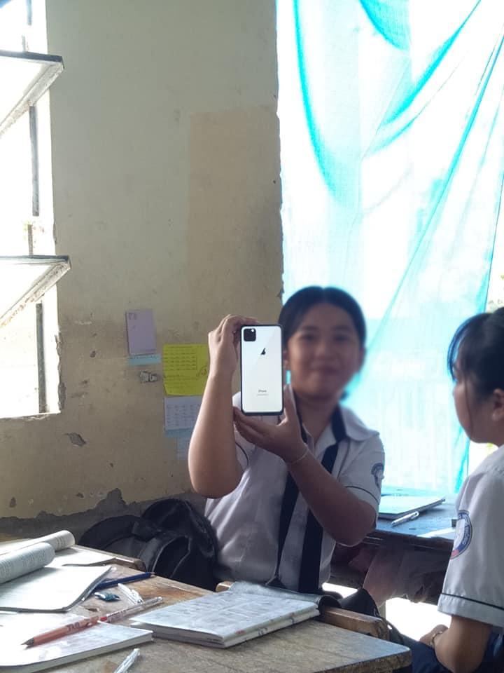 Muôn kiểu sở hữu iPhone 11 của CĐM: Hết vẽ camera lại đến photoshop - Hình 7