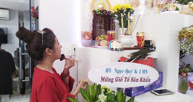 NSƯT Trịnh Kim Chi tiết lộ các quan niệm kỳ lạ trong nghi lễ cúng Tổ nghề sân khấu - Hình 3