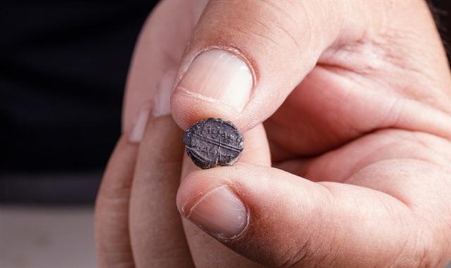 Phát hiện chiếc ấn 2.600 tuổi tại thành cổ Jerusalem - Hình 1