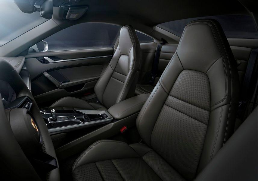 Porsche 911 Carrera 4 Coupe và Cabrio 2020 ra mắt công chúng, giá từ 2,4 tỷ VNĐ - Hình 9