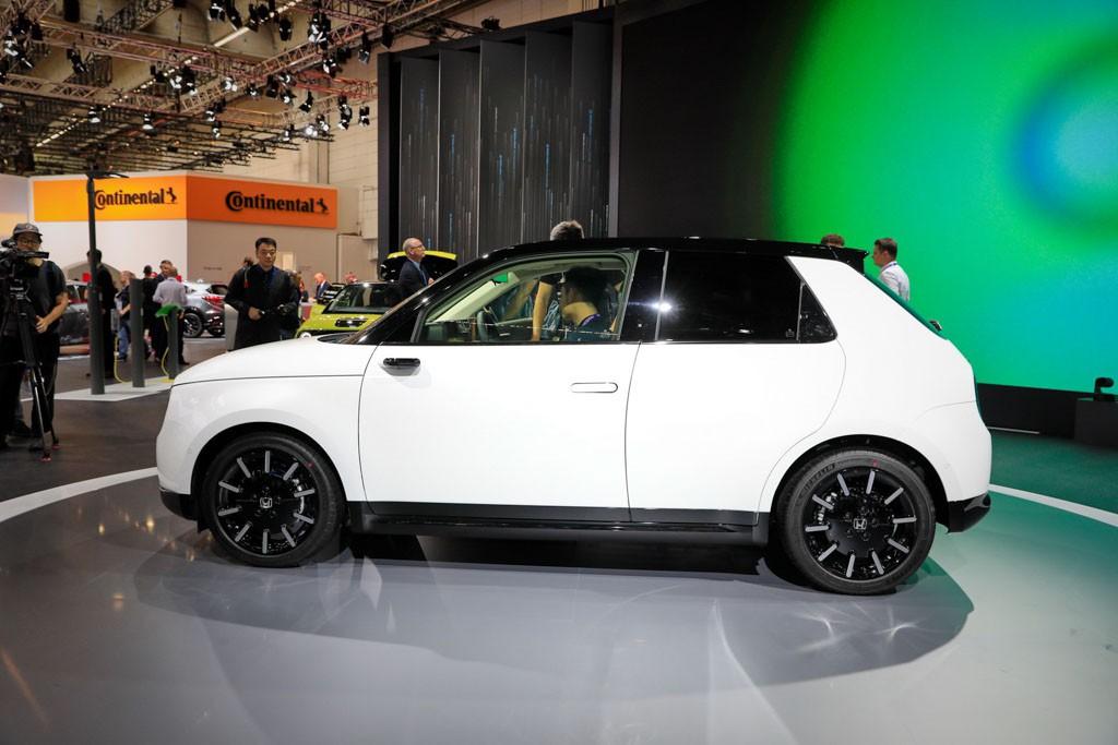 Xe ô tô điện Honda e có giá bán từ 780 triệu, đã có hơn 40.000 đơn hàng - Hình 2