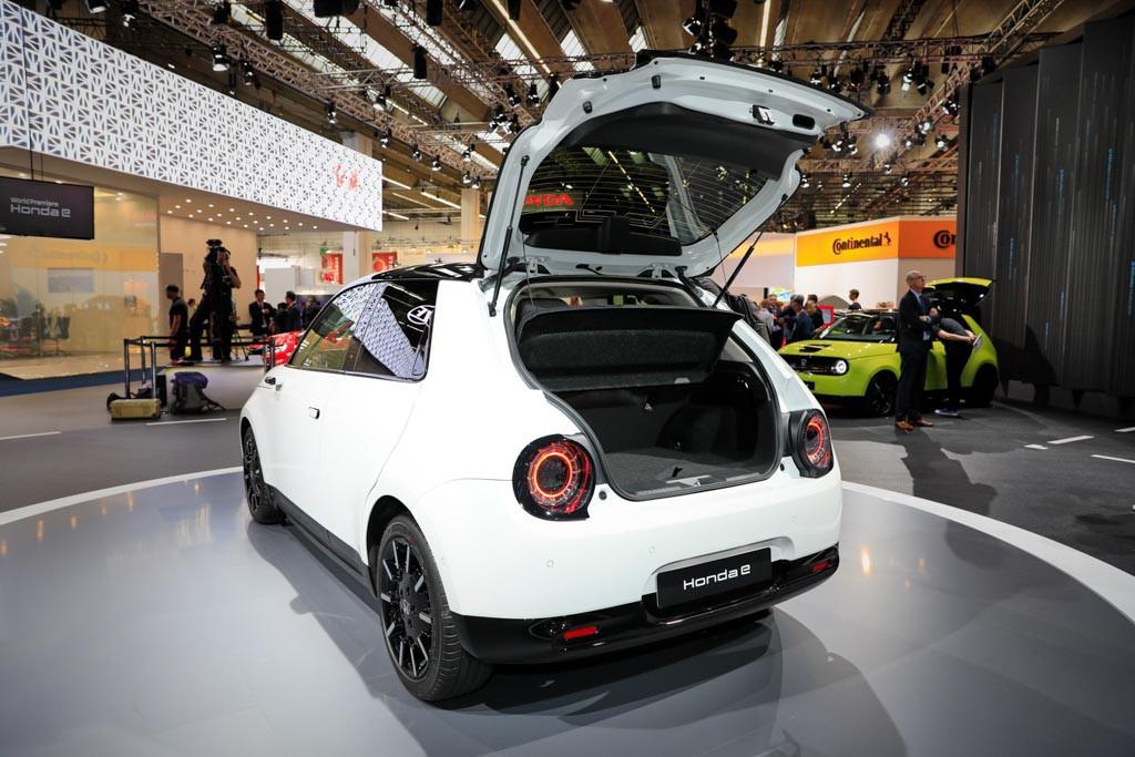 Xe ô tô điện Honda e có giá bán từ 780 triệu, đã có hơn 40.000 đơn hàng - Hình 4