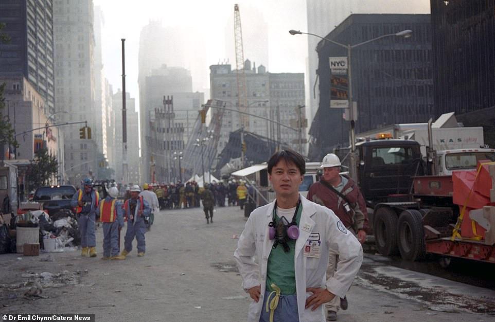 Sốc: Ảnh chưa từng tiết lộ về hiện trường kinh hoàng vụ khủng bố 11/9 - Hình 10