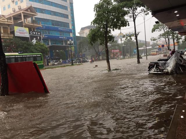 Thái Nguyên tiếp tục mưa lớn, nhiều nơi lại ngập sâu - Hình 3