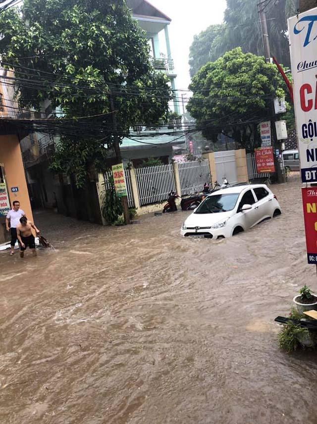 Thái Nguyên tiếp tục mưa lớn, nhiều nơi lại ngập sâu - Hình 2