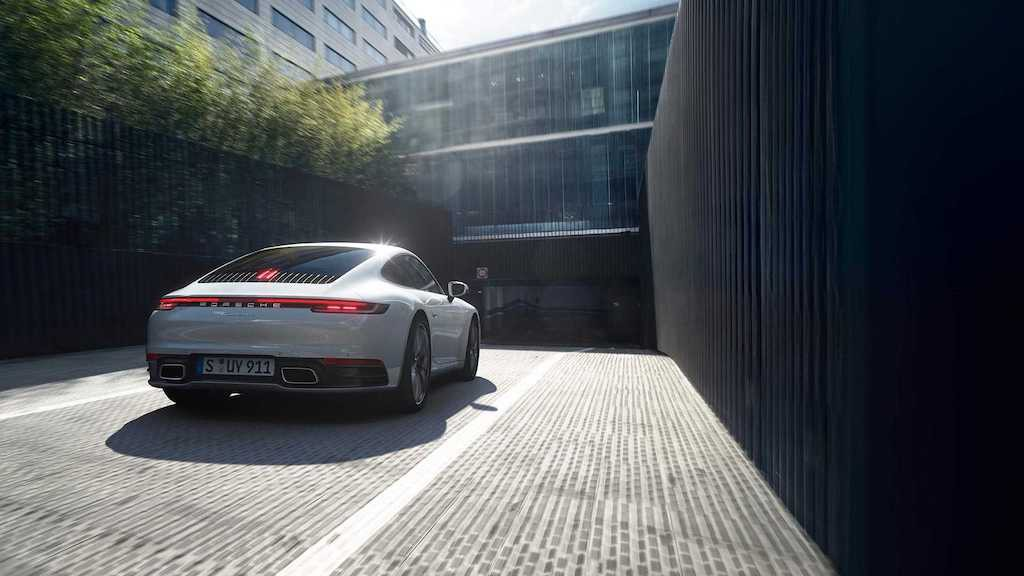 Trình làng Porsche 911 Carrera 4 mới: Xe thể thao du ngoạn Xuân-Hạ-Thu-Đông - Hình 4