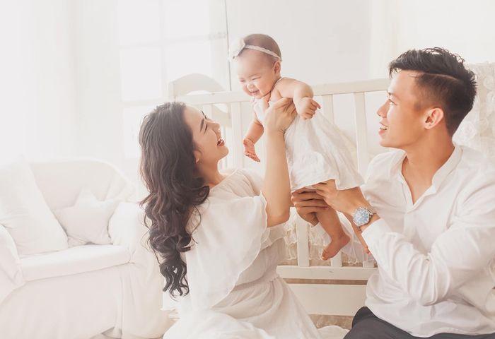 Vợ Quế Ngọc Hải: 'Em rất hạnh phúc sau khi có chồng, chỉ ghen tỵ... với bé Sunny' - Hình 3