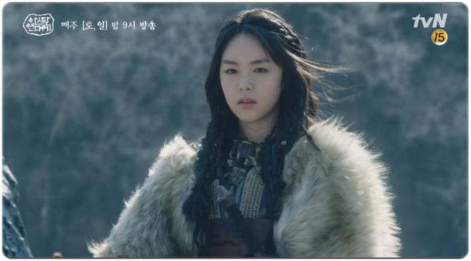 7 bóng hồng của Song Joong Ki ở Arthdal: Hết BLACKPINK, con lai Nga Hàn tới mỹ nhân Nhật đẹp nức lòng ai mà không mê - Hình 12