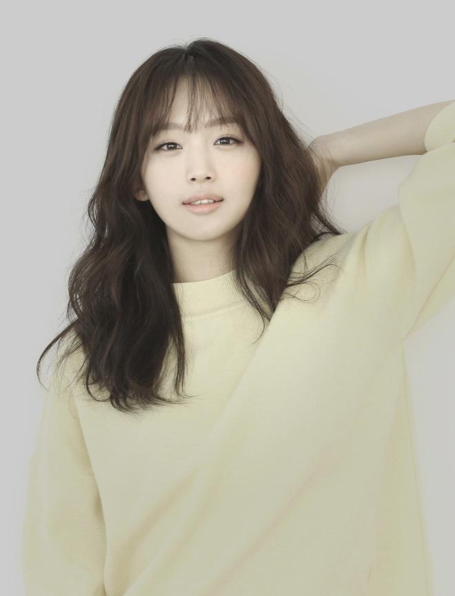 Bất ngờ với nghề nghiệp dàn minh tinh hot nhất xứ Hàn nếu không đi diễn: Mợ chảnh làm tiếp viên, cặp Song Song cùng đam mê - Hình 8