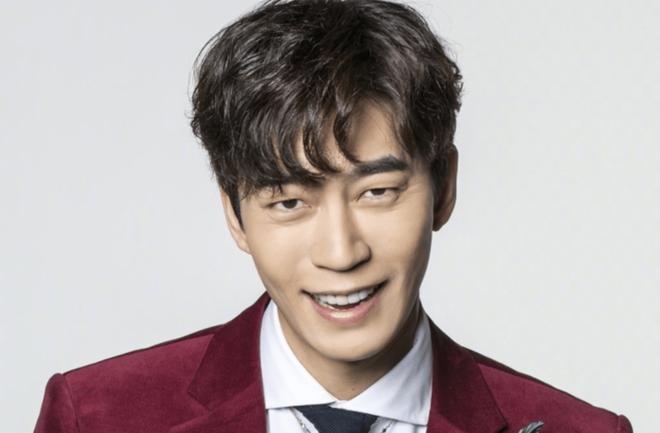 Bất ngờ với nghề nghiệp dàn minh tinh hot nhất xứ Hàn nếu không đi diễn: Mợ chảnh làm tiếp viên, cặp Song Song cùng đam mê - Hình 10