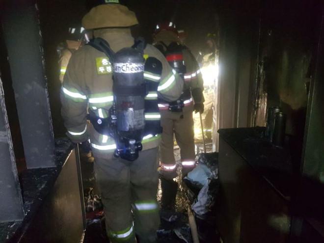 Bí ẩn xác hai mẹ con Hàn Quốc trong tủ lạnh, nhà bị cháy - Hình 2
