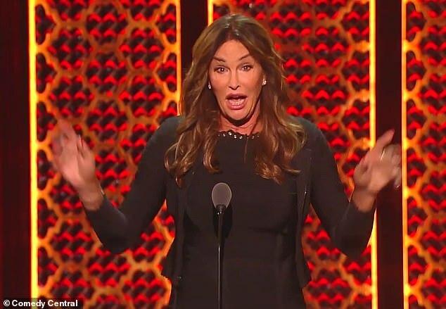 Bố Kylie Jenner không cắt bỏ bộ phận sinh dục - Hình 2