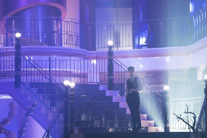 Choáng ngợp trước vẻ ngoài trẻ trung, điển trai của Kim Soo Hyun tại hậu trường bộ phim Hotel Del Luna - Hình 27