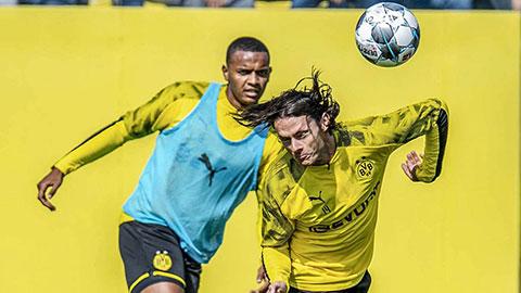 Dortmund khủng hoảng hàng thủ vì virus FIFA - Hình 1