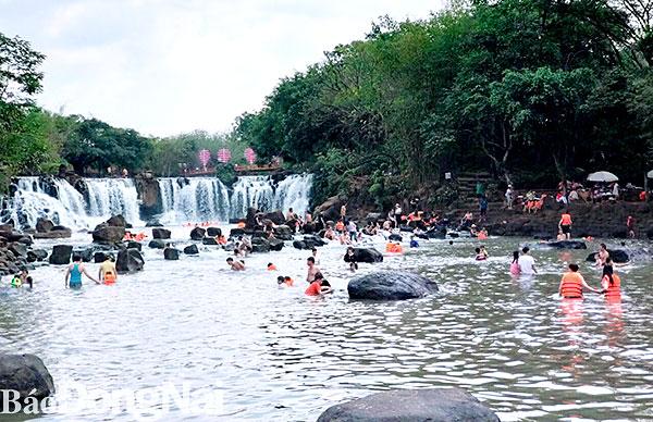 Du lịch Đồng Nai: Nhiều thác đẹp nổi tiếng - Hình 1