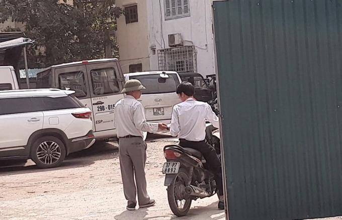 Hà Nội: Ai dung túng cho bãi xe lậu thách thức pháp luật? - Hình 2