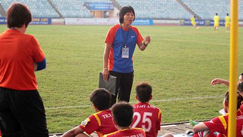 HLV Đoàn Thị Kim Chi: CLB TP.HCM I sẽ giành lại ngôi vô địch - Hình 1