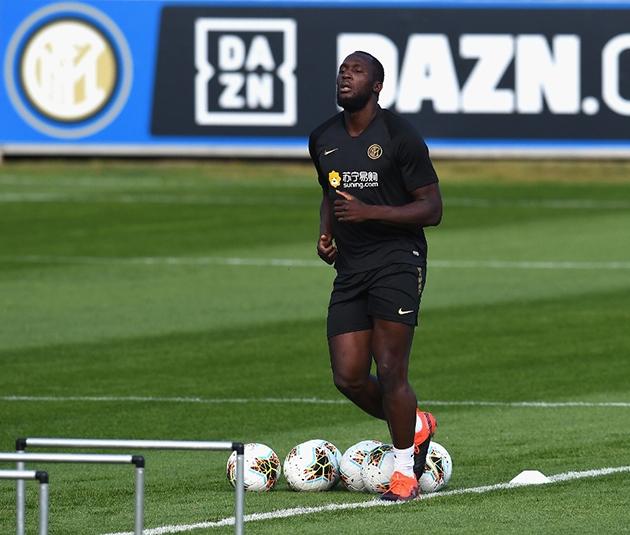 Inter Milan miệt mài tập luyện trong ngày Lukaku trở lại - Hình 6