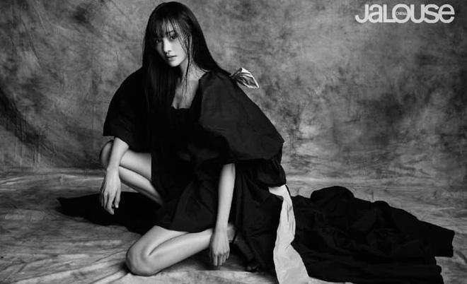 Lần đầu tiên trong sự nghiệp Trịnh Sảng chụp ảnh tạp chí thời trang: Nhan sắc và body đẹp nức nở giờ mới chịu hé lộ - Hình 5
