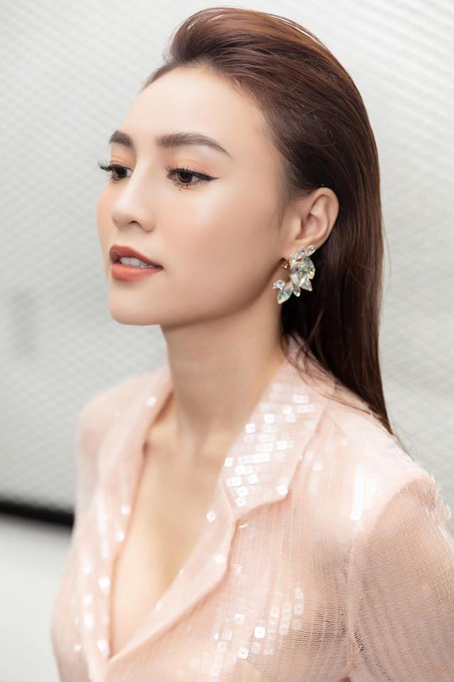 Lễ ra mắt MXH Lotus chính là sự kiện hot nhất tháng 9: Gây bão từ chiếc thiệp mời, dự kiến quy tụ hàng trăm celebs, creators hàng đầu Việt Nam - Hình 6