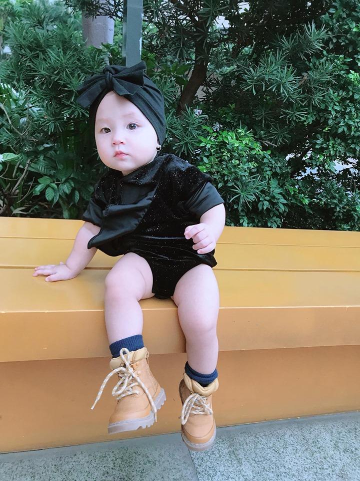 Mới 1 tuổi, con gái Trà Ngọc Hằng sành điệu như nữ hoàng street style - Hình 7