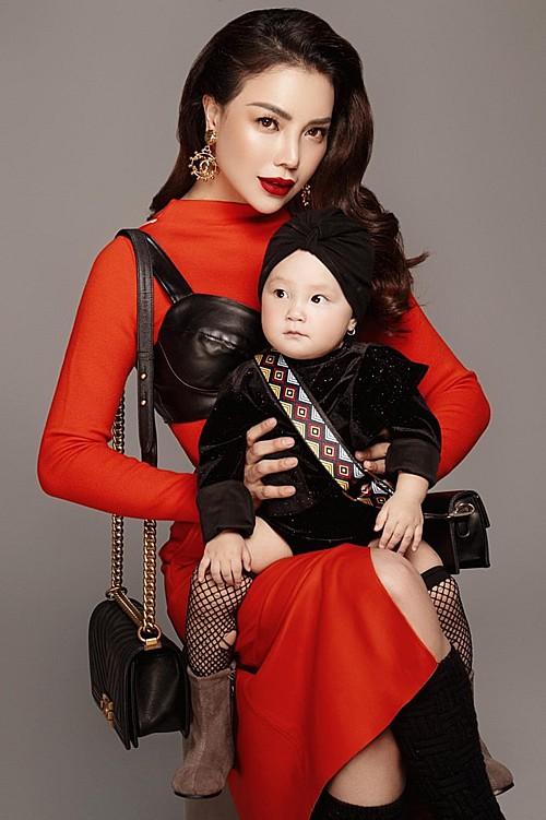 Mới 1 tuổi, con gái Trà Ngọc Hằng sành điệu như nữ hoàng street style - Hình 1