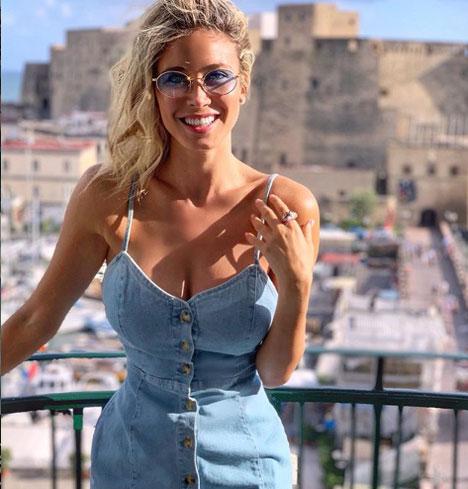 Ngất ngây vì mỹ nữ từng khiến HLV Mourinho đứng tim - Hình 8