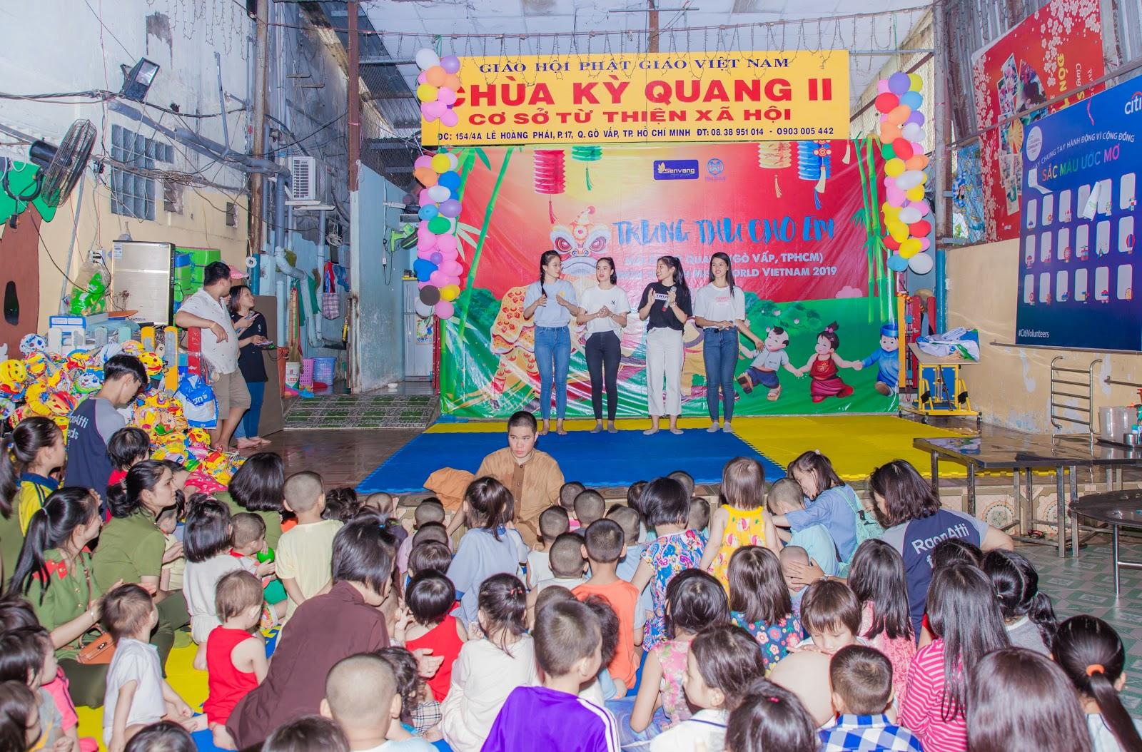 Người đẹp nhân ái Ngọc Thoa cùng thí sinh Miss World Vietnam làm thiện nguyện cho hơn 250 trẻ em - Hình 9