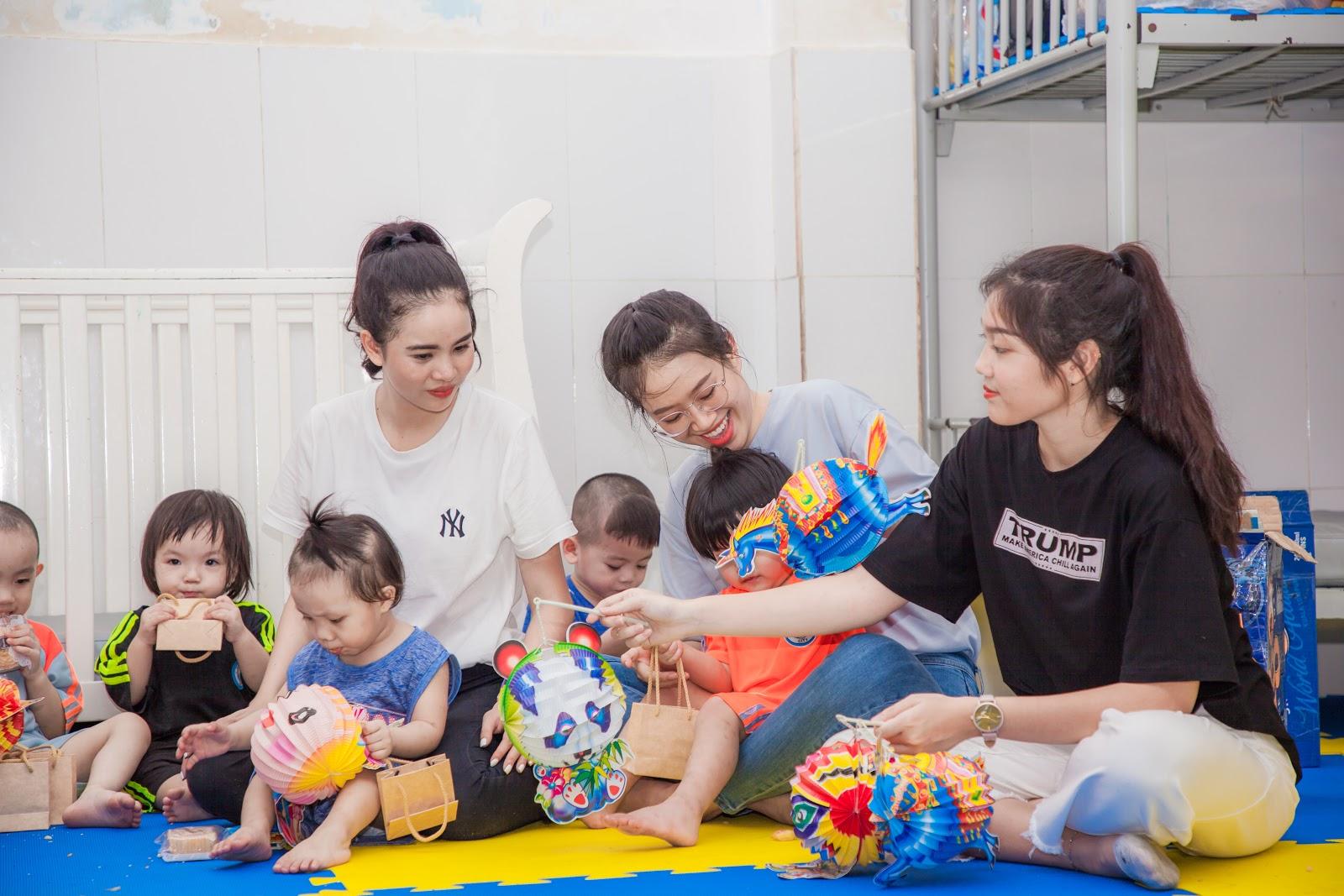 Người đẹp nhân ái Ngọc Thoa cùng thí sinh Miss World Vietnam làm thiện nguyện cho hơn 250 trẻ em - Hình 19