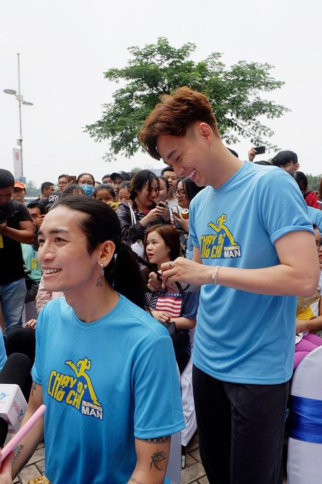 Phản ứng bất ngờ của bố mẹ Ngô Kiến Huy trước tin đồn con trai yêu BB Trần hậu chia tay Khổng Tú Quỳnh - Hình 3