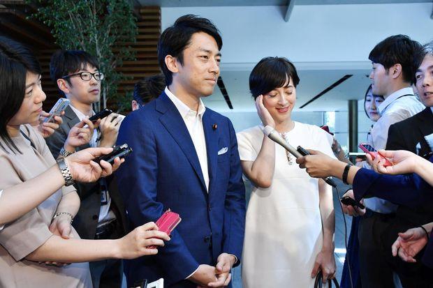 Tân Bộ trưởng 38 tuổi của Nhật Bản và điều bất ngờ ít người biết - Hình 1