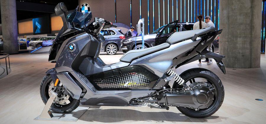 BMW Motorrad mang loạt xe đến Frankfurt 2019, bao gồm cả Vision DC Roadster Concept - Hình 7