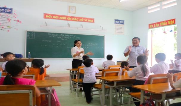 Tổ chức Susann's Help for children: Đến Khánh Hoà trao 1.196 suất quà cho trẻ khó khăn - Hình 2